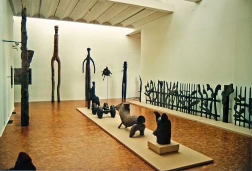 Théo Wiesen,Chemins de l'Art Brut II, MAM de Villeneuve d'Ascq, 2002, ph B.Montpied.jpg