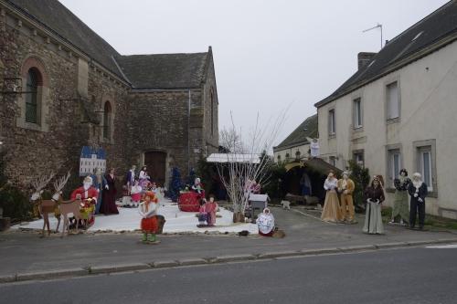 Crèche à St-Quentin les Anges, entre Segré et Craon (ph Patrick Métais)(2) .jpg