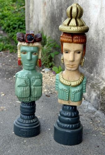 José Leitao, deux pièces comme des pions géants de jeu d'échec, ph. Bruno Montpied, 2011.jpg