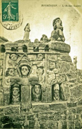 Abbé Fouré, la sculpture représentant l'Ermite et au-dessus à droite l'Avocat des rochers.jpg