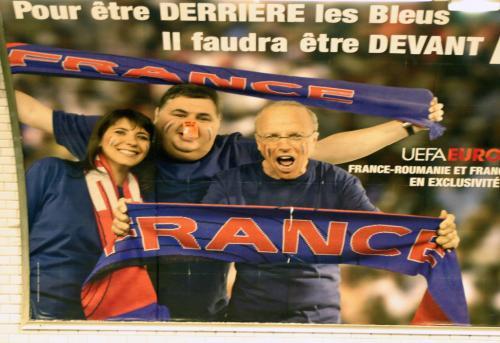 Affiche publicitaire dans le métro parisien, juin 2008.jpg