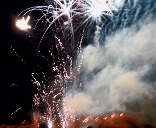 Feu-d'artifice,Montauban, ph B.Montpied, 2008.jpg