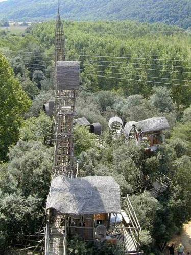josep pujiula y vila,arguilaguer,catalogne espagnole,labyrinthes,cabanes,architecture alternative,environnement spontanés