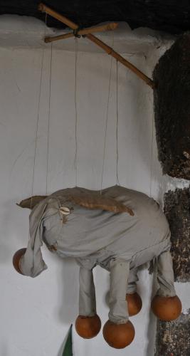 Marionnette à fil africaine, un éléphant, coll Veyret.JPG