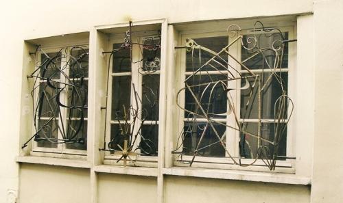 Anonyme, fers forgés fantaisie,Rue Durantin prolongée, Paris 18e ardt,ph.Bruno Montpied, 2002.jpg