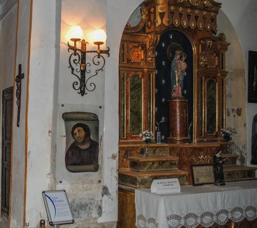 La fresque (2) au christ dans l'église.jpg