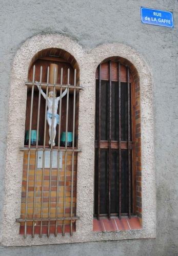 Ex-voto-rue-de-la-Gaffe-a-C.jpg