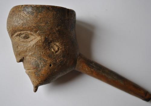 fourneaux de pipe sculptés,art populaire insolite,pipe de fénéon,félix fénéon,collectionneur anarchiste, paul signac