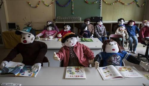 Le Village des poupées 11 l'école.JPG