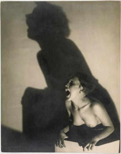 Frantisek Drtikol, Le cri, 1927 MNAM, Centre Georges Pompidou, Paris. Dist.RMN, copyright Jacques Faujour, copyright DR.jpg