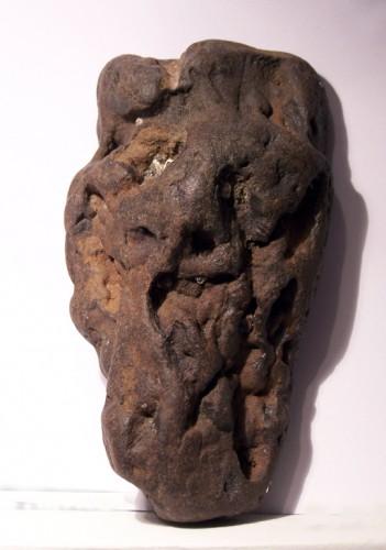 Masque de Yannig an Aod, pierre trouvée,photo Benoît Jaïn, 2006.jpg